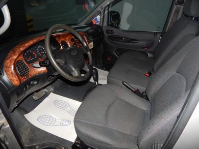 Hyundai Starex